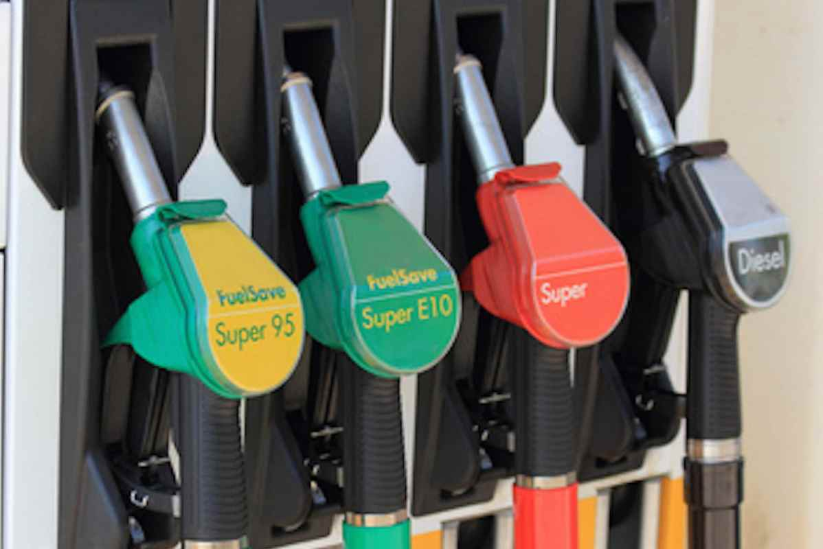 Die Filter die Separatoren für das Benzin