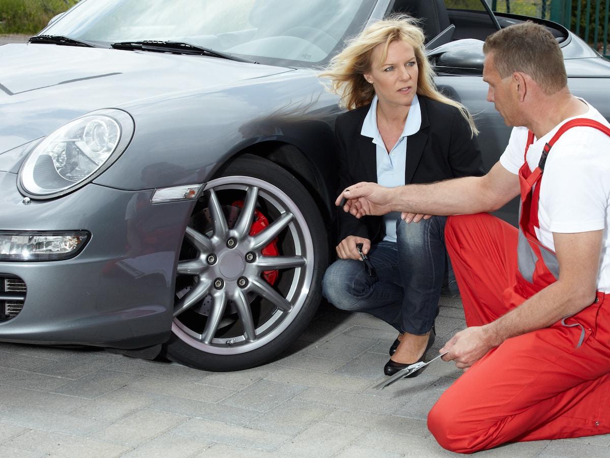 Falscher Reifendruck muss kontrolliert werden. Foto: Adobe / Karin & Uwe Annas