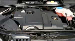 Motorraum: Mit oder ohne Kühlwasser