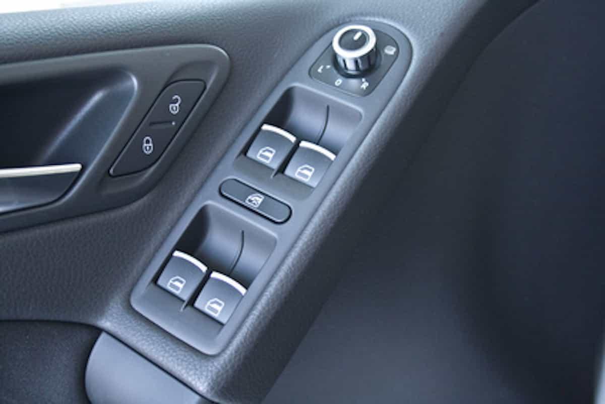 Auto offen: Wenn der elektrische Fensterheber versagt