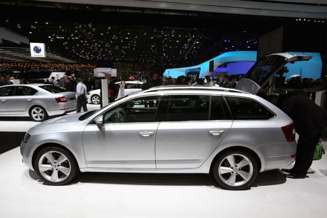 skoda octavia combi 2 0 tdi elegance 2 auto kombi. Black Bedroom Furniture Sets. Home Design Ideas