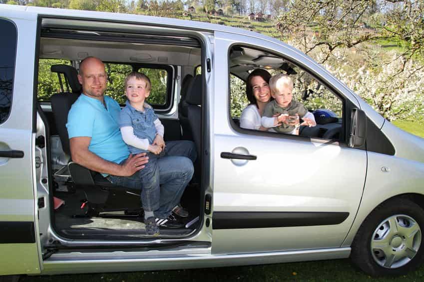 Reisen mit Kindern in einem Kombi