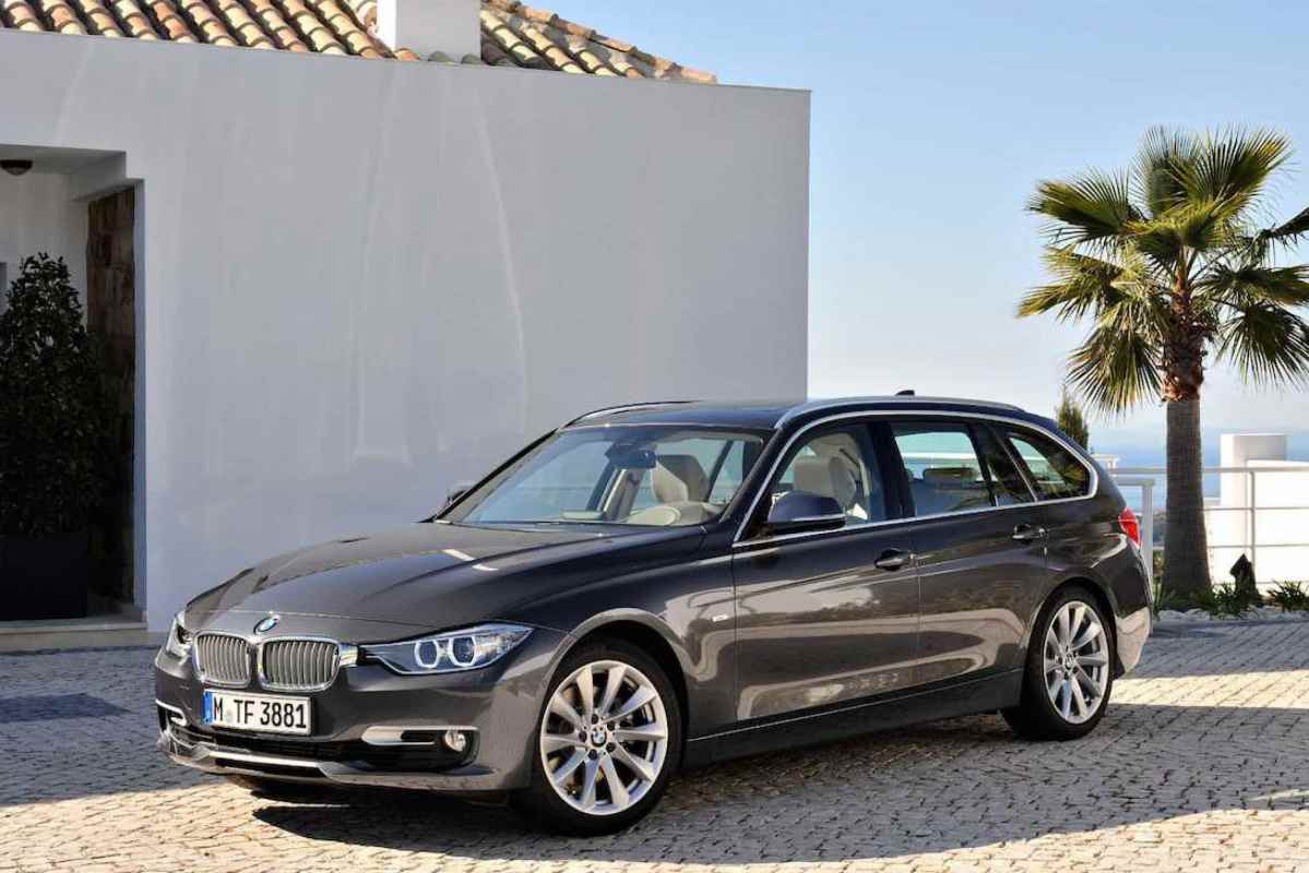 bmw 320d touring verschafft v llig neues kombi gef hl. Black Bedroom Furniture Sets. Home Design Ideas