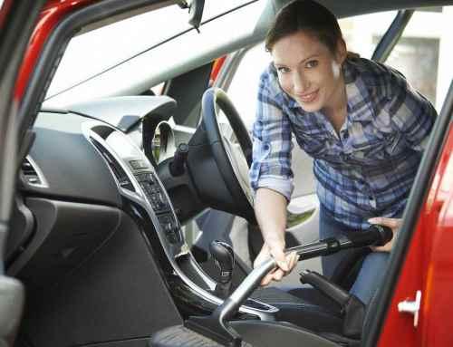 Autositze reinigen: Tricks mit Seifenlauge und Essig