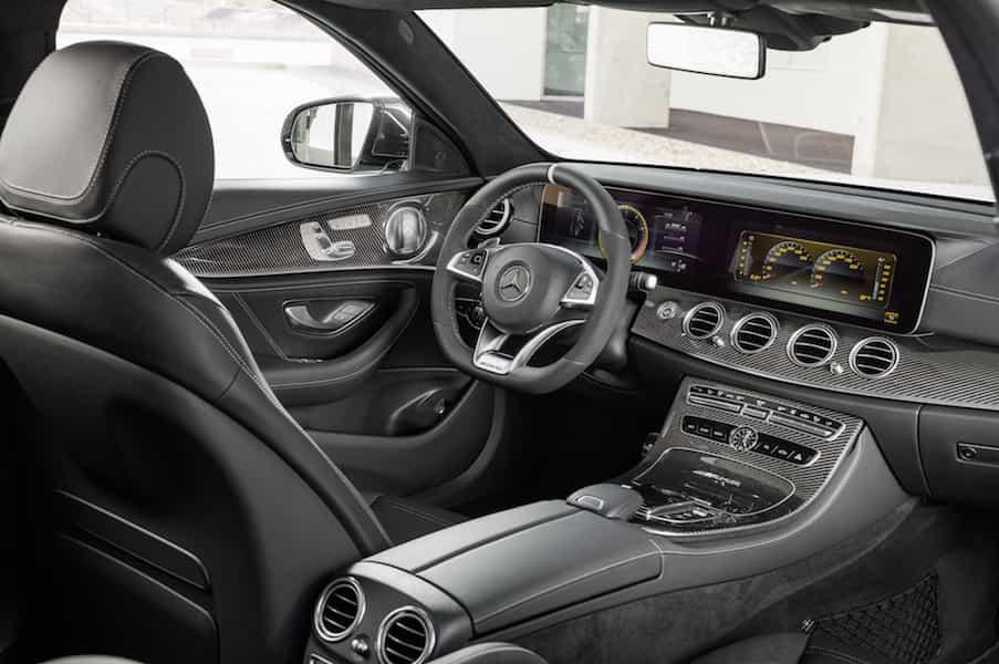 Mercedes-AMG E 63 S 4MATIC+ T-Modell, diamantweiß, Innenausstattung: Schwarzes Nappaleder mit grauen Ziernähten;Kraftstoffverbrauch kombiniert: 9,1 l/100 km, CO2-Emissionen kombiniert: 206 g/km*
