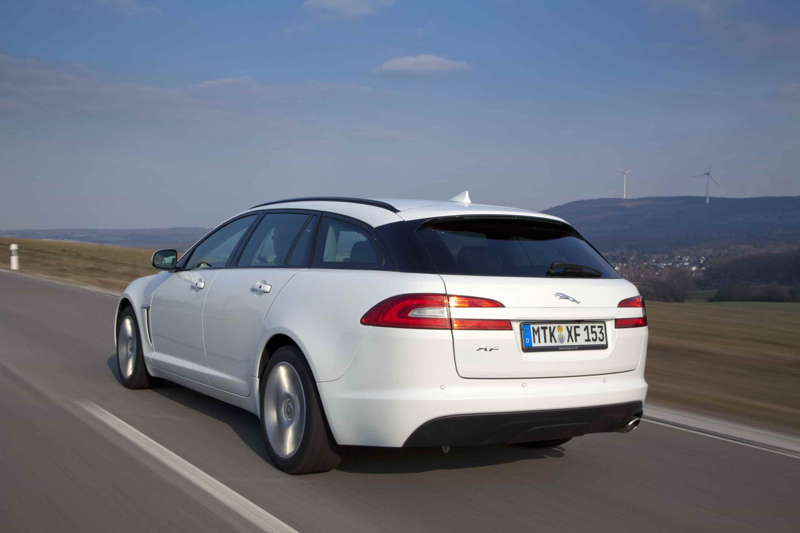 jaguar xf sportbrake sportwagen im kombi style. Black Bedroom Furniture Sets. Home Design Ideas