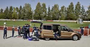 Ford Tourneo Connect beim Fußball