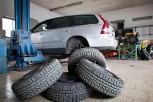 Autofahren im Herbst: Rechtzeitig die Reifen wechseln