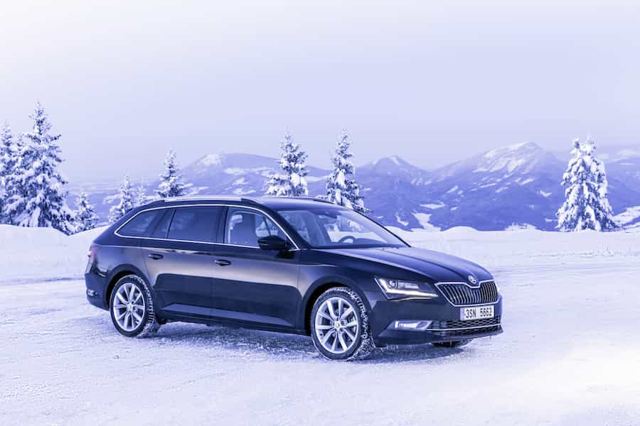 Skoda Superb Combi im Winter