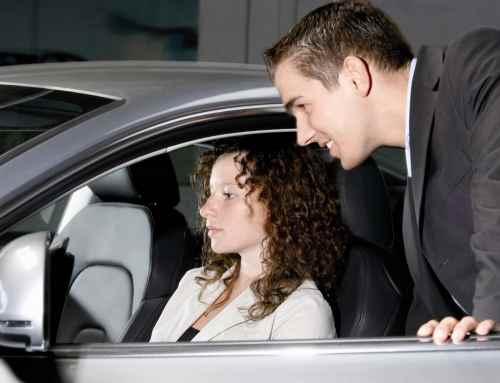 Wenn Führerschein-Neulinge ein Auto fahren wollen