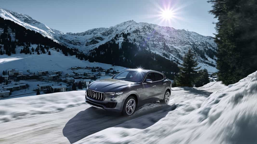 Maserati Levante in den Bergen