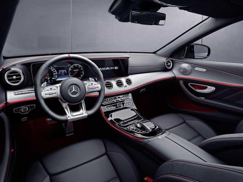 Jüngste Fahrassistenz-Systeme und neue Motoren zum Änderungsjahr: Die E-Klasse wird jetzt noch intelligenter