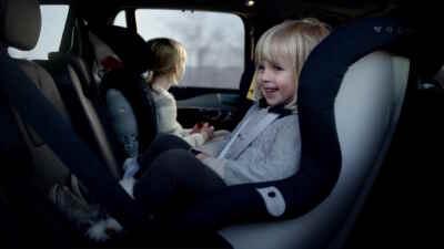 Kinder bestens geschützt in einem Volvo. Foto: Volvo